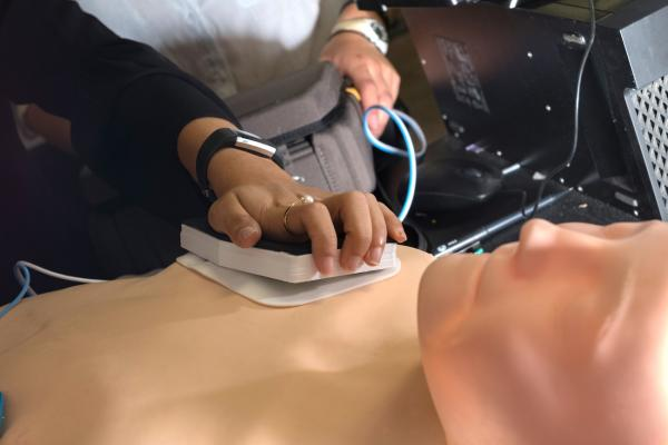 Rice University Students Improve AED Operation With Needle Pad