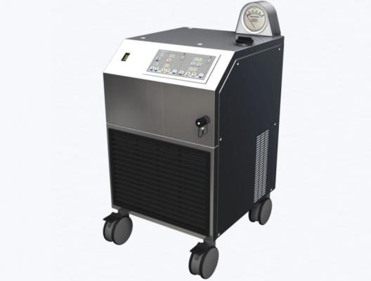 The LivaNova Heater-Cooler System 3T helps open heart surgery patients, but can pose an infection risk if not properly cared for.
