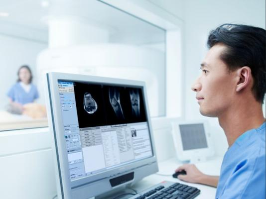 Philips Launches HealthSuite Insights AI Platform for Healthcare