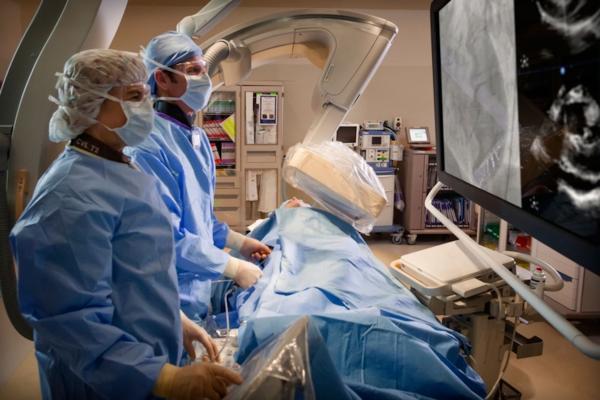 Beaumont Hospital, Michigan, endovascular aortic repair, EVAR, conscious sedation